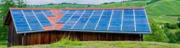 Solarstromanlage auf einem landwirtschaftlichen Gebäude